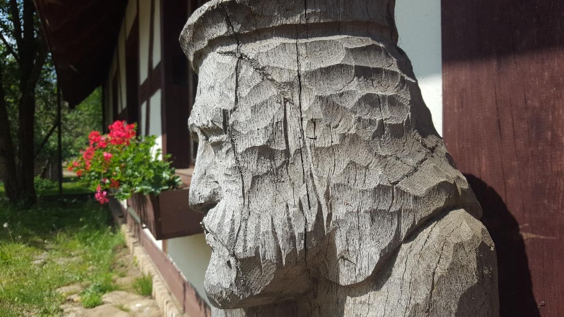 Spacer w Dolinie Charlotty - rzeźby